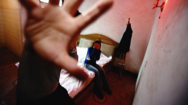 Ditangkap Saat Ngamar di Hotel Gadis 16 Tahun Malah Diperkosa Oknum Polisi di Polsek